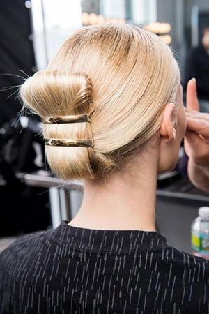 01-madamefigaroparis-hairstyle-170126.jpg