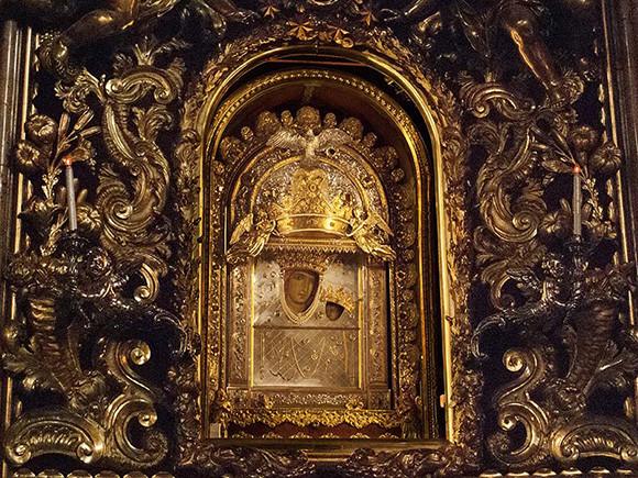 200302_17.madonna.jpg