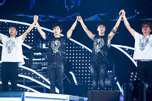 180116_7-171220_tohoshinki_t-dome_057.jpg