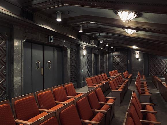 201012-b-theatre-06.jpg