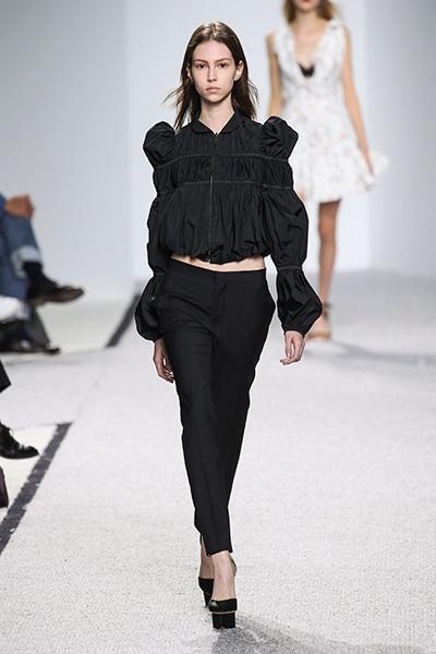 コレクション 2017 Spring & Summer Paris|Fashion|madame FIGARO.jp ...