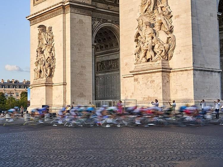 799px-Tour_de_France_(48417160606).jpgのサムネイル画像