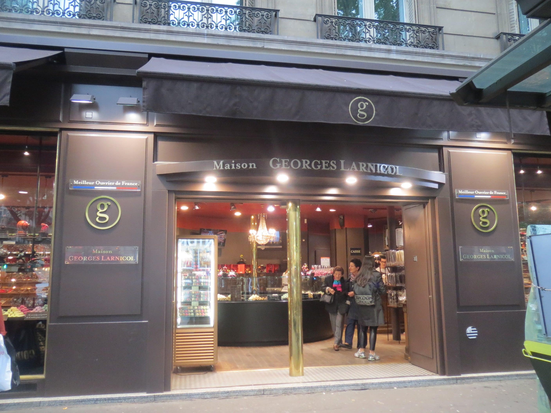 Juin 2013 Blog Decoration Maison New York Style Interior このブログでも何度か書いてますが、お店の人気商品はこってり甘い小ぶりなクイニーアマン、