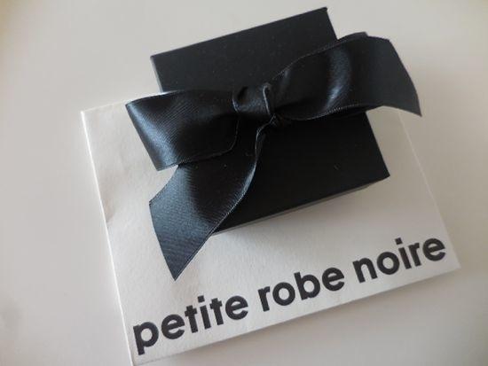 Petite Robe Noireのイヤークリップ Comme D Habitude Ñリ Ɲ±äº¬è¡Œã£ãŸã'Šæ¥ãŸã'Šblog Paris Madame Figaro Jp Õィガロジャポン
