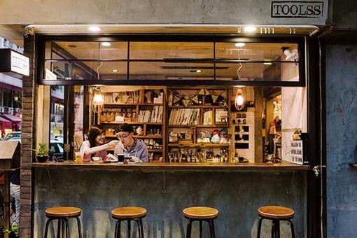 香港注目エリアの憩いの場は、文房具とコーヒーの店。