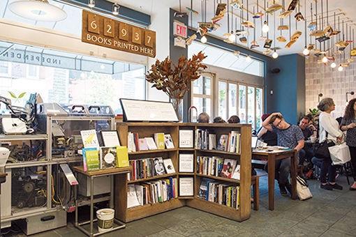 雑誌と文学好きが集う、ノリータのブックストア。