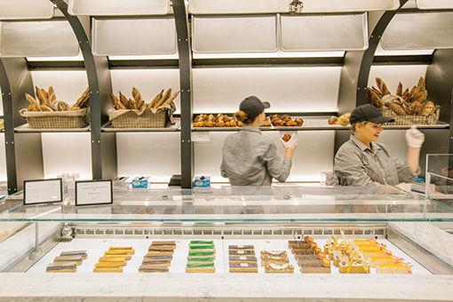 アートなケーキが並ぶ、ニューヨークの隠れ家カフェ。
