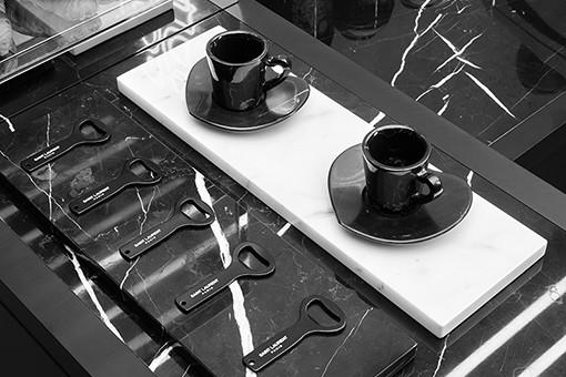 コレット跡地のサンローランにプティ・カフェがオープン。