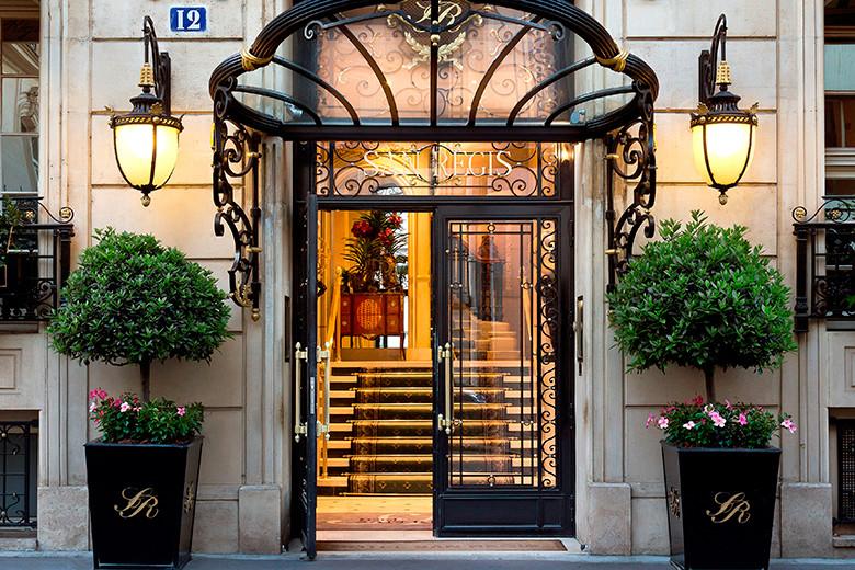 【空間と美食で2倍の贅沢 1】隠れ家的ホテル、サン・レジス。