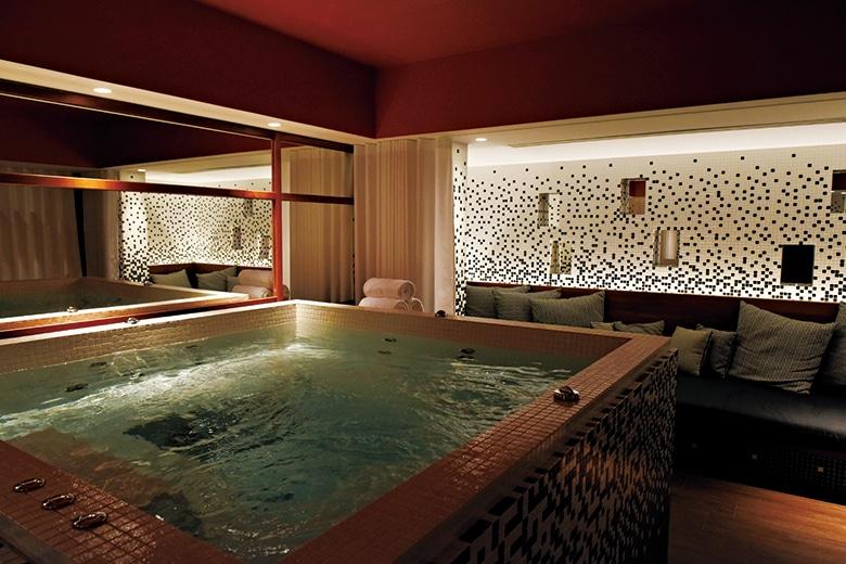 paris-201705-146-renaissanceparisrepubliquehotel-01.jpg