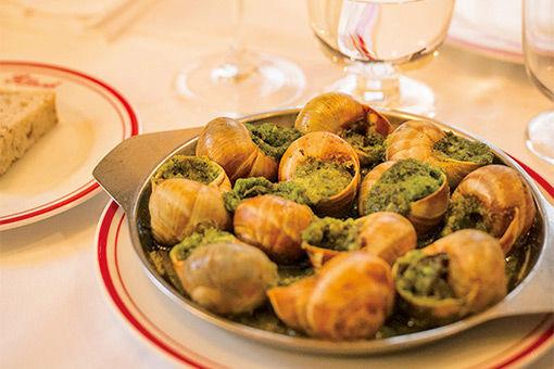 パリのビストロで女性料理人のブルゴーニュ料理を堪能。