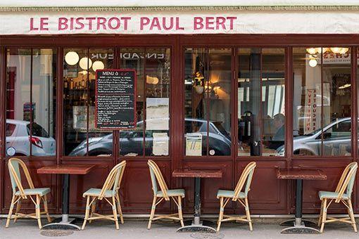 パリのビストロといえばここ! 名物のステーキをどうぞ。