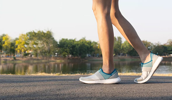 00-210615---six-astuces-pour-rendre-la-marche-aussi-efficace-que-le-footing.jpg