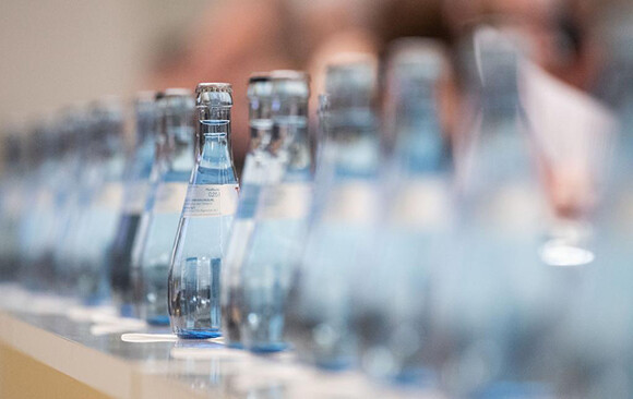 01-210922-bouteilles-deau.jpg