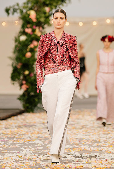 02_chanel_06_SPRING_SUMMER_2021_HAUTE_COUTURE_006.jpg