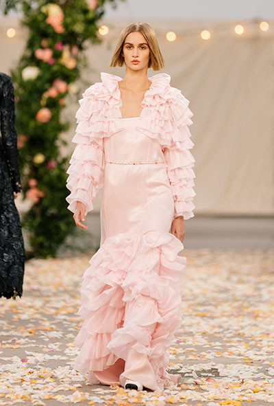03_chanel_28_SPRING_SUMMER_2021_HAUTE_COUTURE_028.jpg