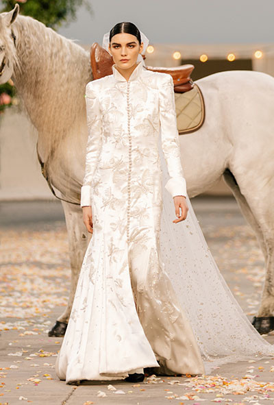 04_chanel_32_SPRING_SUMMER_2021_HAUTE_COUTURE_032.jpg