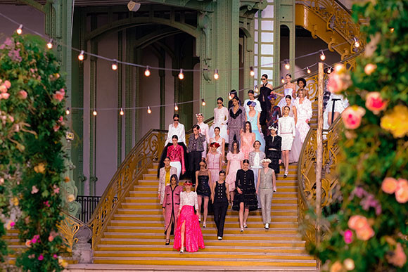 05_chanel_01_SS_2021_HC_show_Finale_pictures_1.jpg