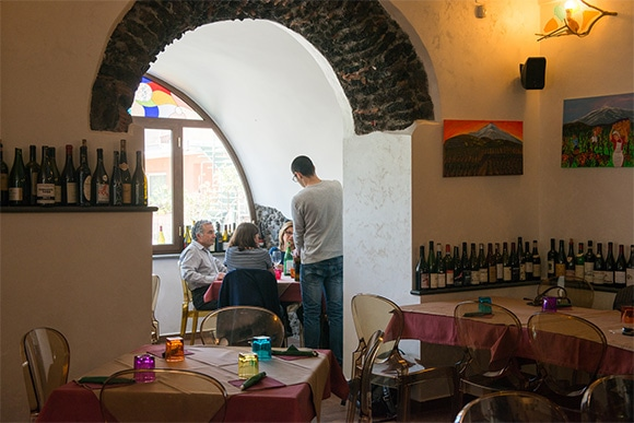 12-sicilia-wine-2-170623.jpg