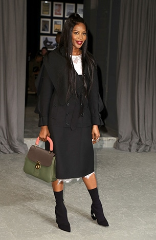170410.16_Naomi Campbell carrying the medium DK 88 bag on Feb 20th in London.jpg