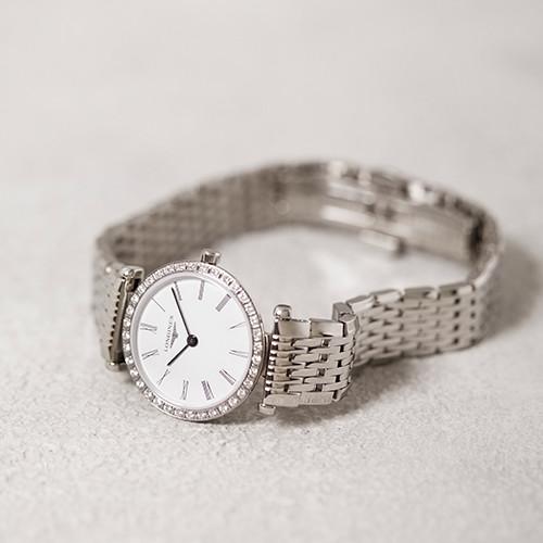 181112-watch-03.jpg