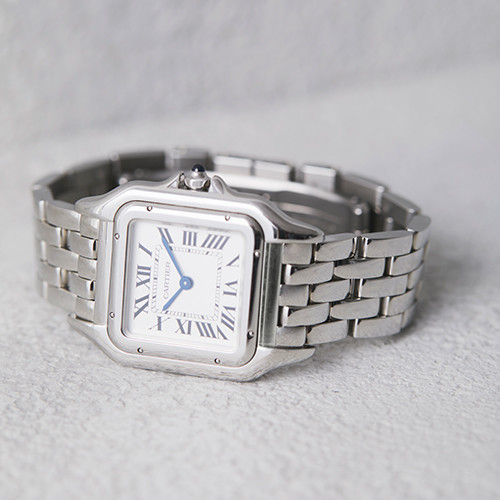 181112-watch-05.jpg