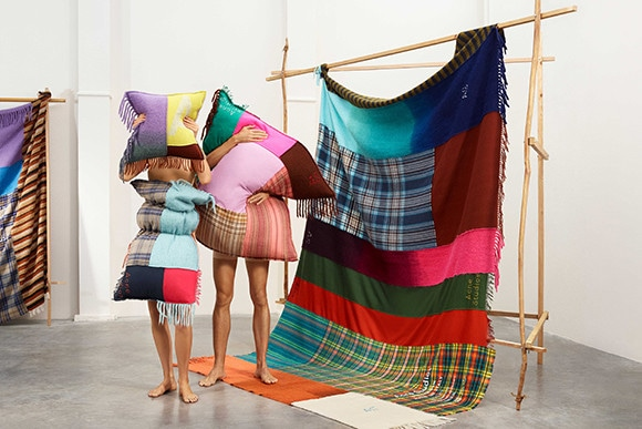 181212-scarves-pr4.jpg