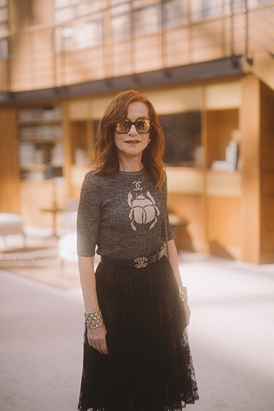190710_chanel_18_Isabelle-HUPPERT_Fall-Winter-2019-20-Haute-Couture-Collection-1.jpg