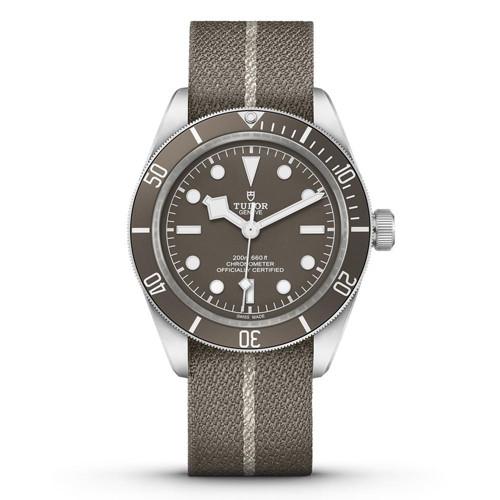 210411-watches-and-wonders-11.jpg