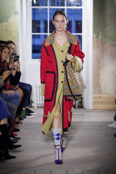 3_Burberry September 2017 Collection - Look 10.jpg