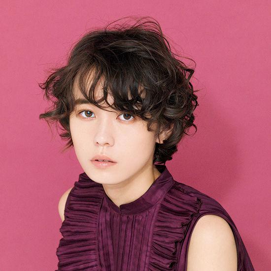 01-dress-hairstyle-180316.jpg