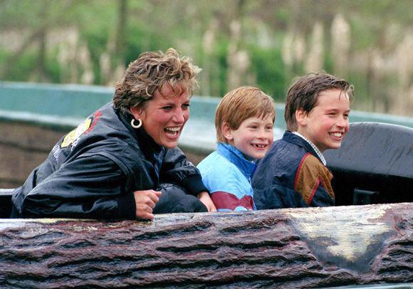 再les-plus-beaux-hommages-des-princes-harry-et-william-a-lady-diana-photo-8.jpg