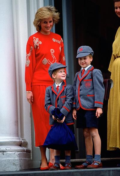 """ハリー 王子 王子 ヘンリー チャールズ皇太子""""12歳""""の写真、息子ヘンリー王子に激似だと話題に"""
