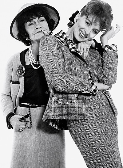200911_A_-Avedon.Gabrielle-Chanel-and-Suzy-Parker-1959.jpg