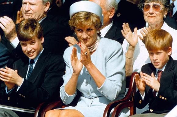 再les-plus-beaux-hommages-des-princes-harry-et-william-a-lady-diana-photo-2.jpg